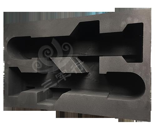 新款RS820导弹箱
