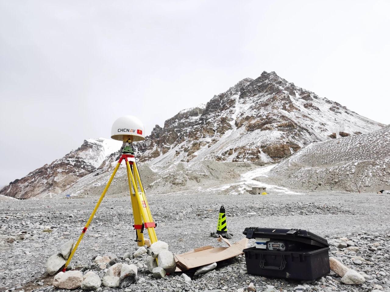 致敬攀登者!三军行助力中国高程测量登山队登顶成功!