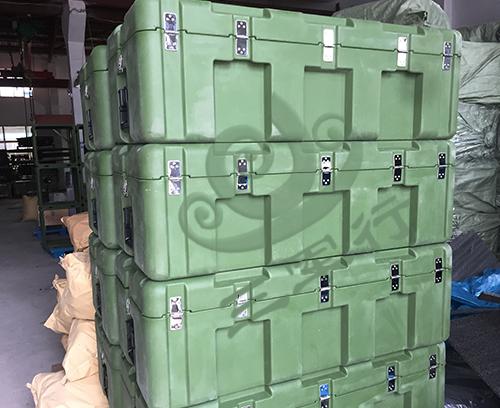 三军行中型空投箱RS870B 军用滚塑箱